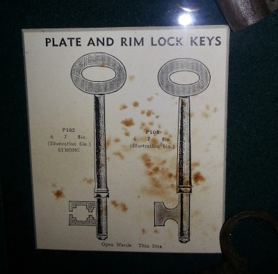 Rim lock key... and splattering