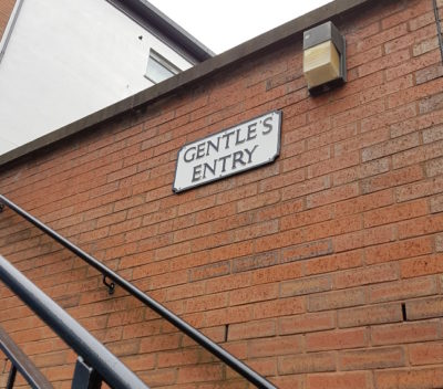 Street sign for Gentle's Entry