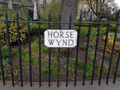A street sign saying 'Horse Wynd'