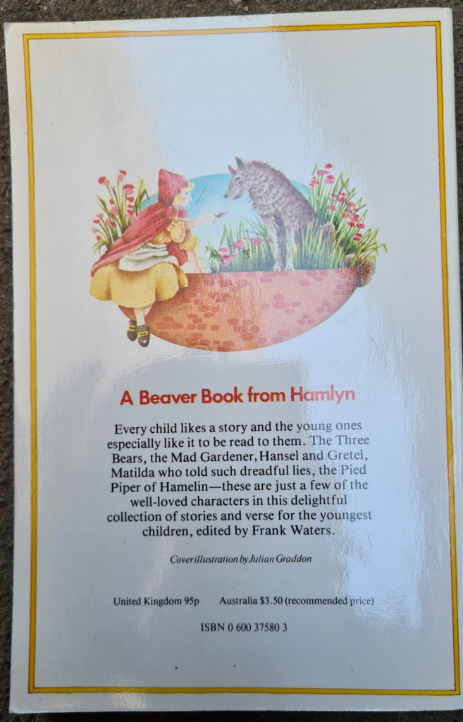 """Cover of a """"Beaver book from Hamlyn"""""""